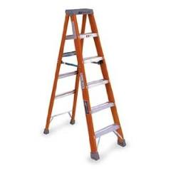 Where to rent LADDER, STEP 12  FIBERGLASS in Wilmington DE